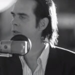 Nick Cave & The Bad Seeds nos dan una muestra más de 'One More Time With Feeling'