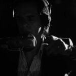 "Nick Cave & The Bad Seeds provoca escalofríos con ""Magneto"""